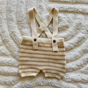 Baby knit suspender shorts size 00